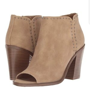 WORN ONCE! ESPRIT TAN ANKLE BOOTIES SIZE 10